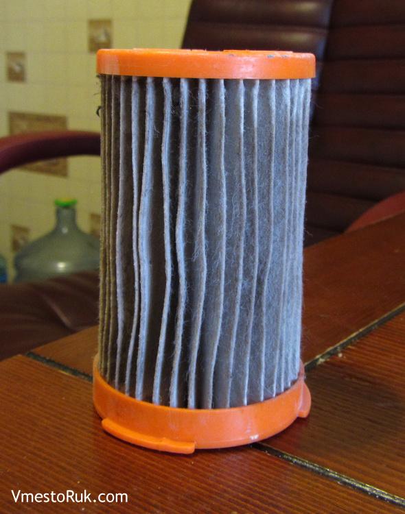Этот элемент очищает пыльный воздух.
