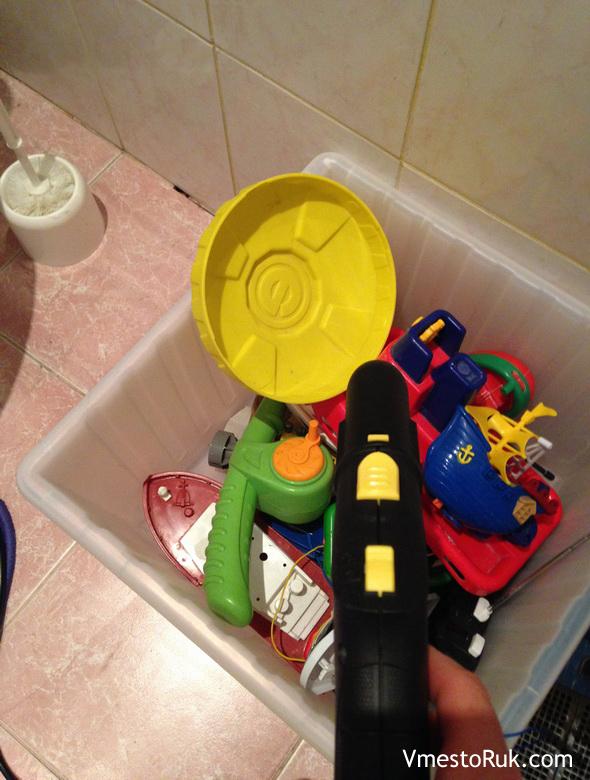 Почистила паром игрушки сына.